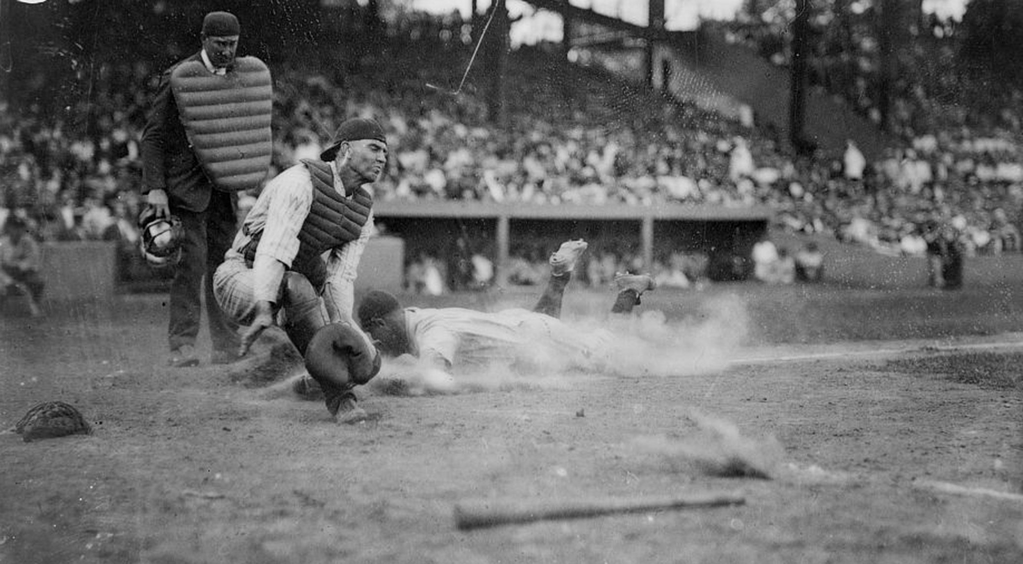 Lou Gehrig Beats The Throw Home