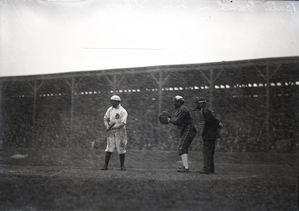 Detroit Tigers Play in Snow storm 1911 b