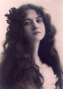 Maude Fealy photo