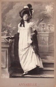 Gibson Girl Annabelle Moore Buchan cabinet card via cabinetcardgallery.wordpress.com