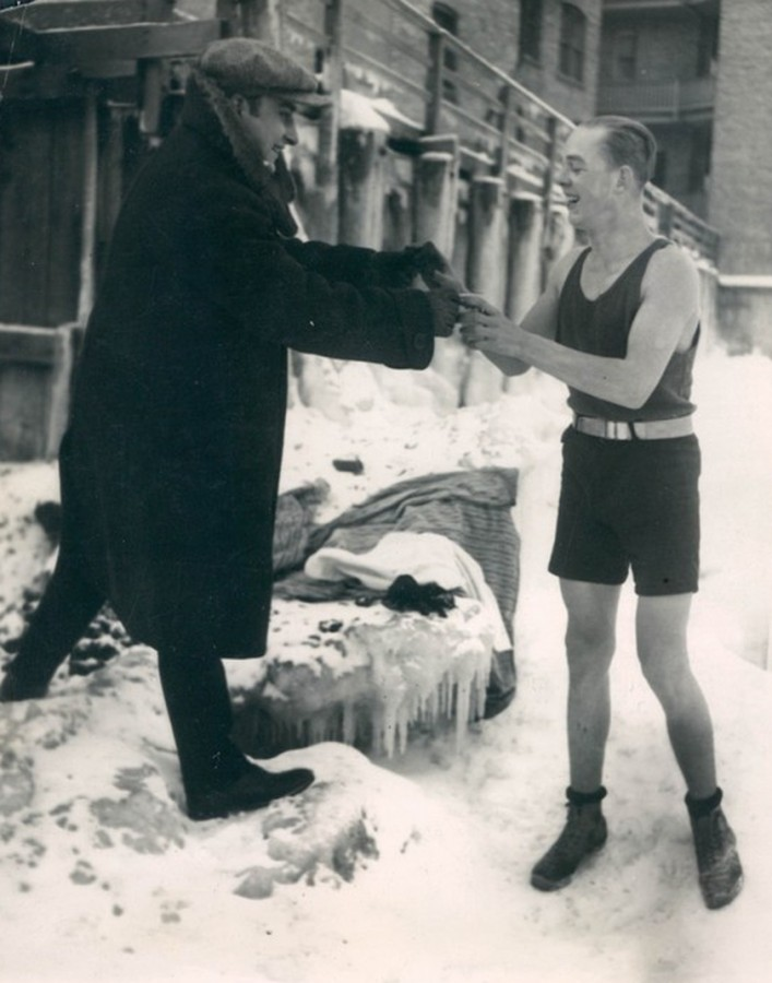 Victor Barothy swims Lake Michigan on a dare January 5 1924