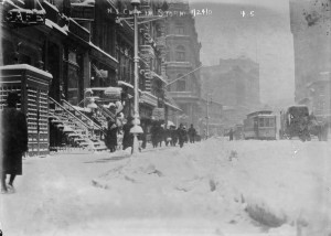 During the snowstorm near 9 East 14th Street - January 24, 1908