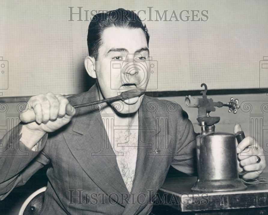 man eats light bulbs and other delicacies 1939