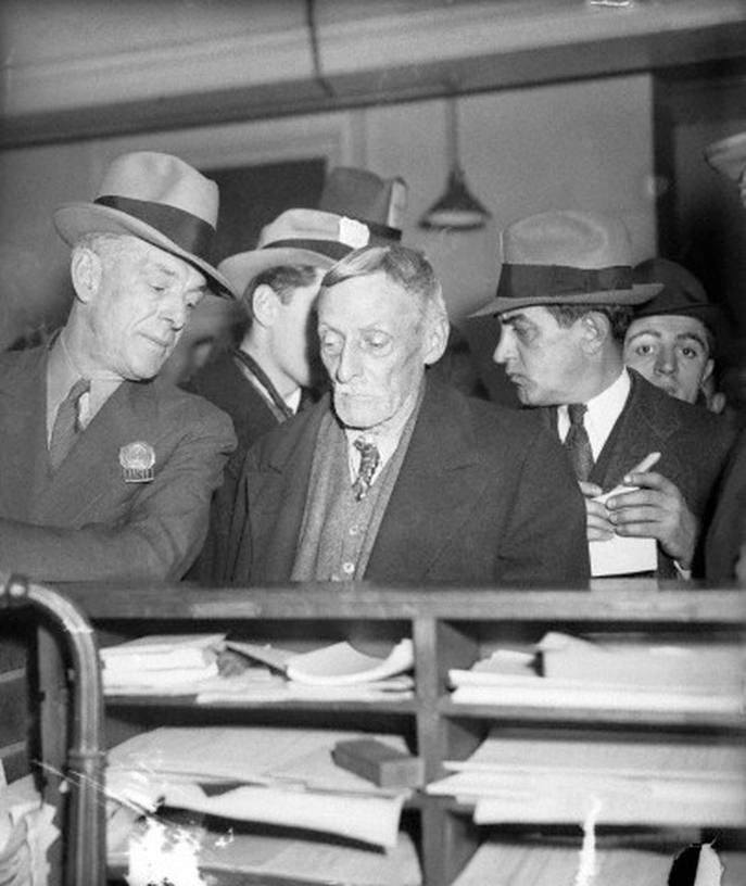 Notorious new york crime scene property for sale for Dr albert fish