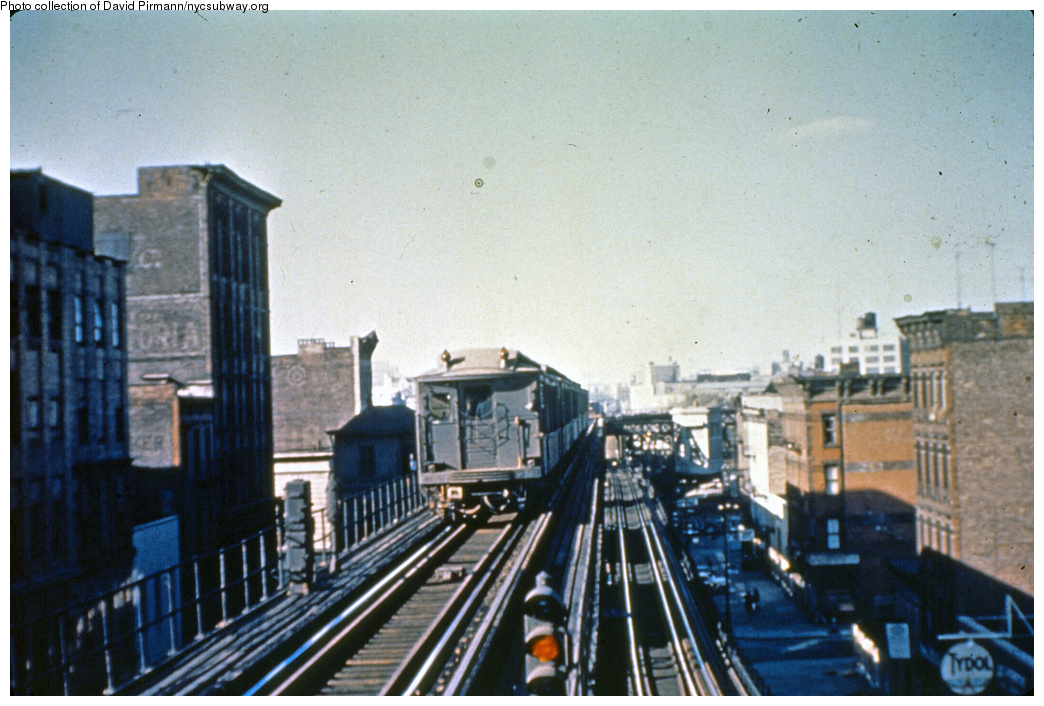This Is What Riding The Third Avenue Elevated Was Like In 1950