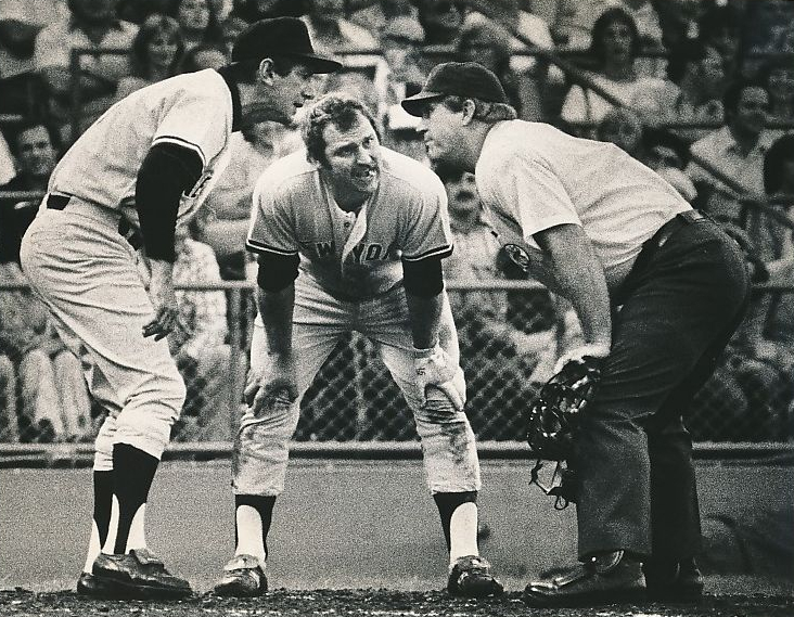Thurman Munson Billy Martin argue call July 21 1978