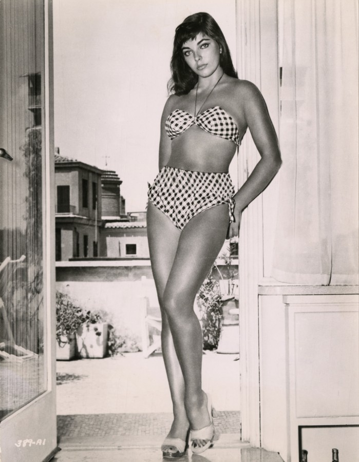 Joan Collins in bikini 1950s