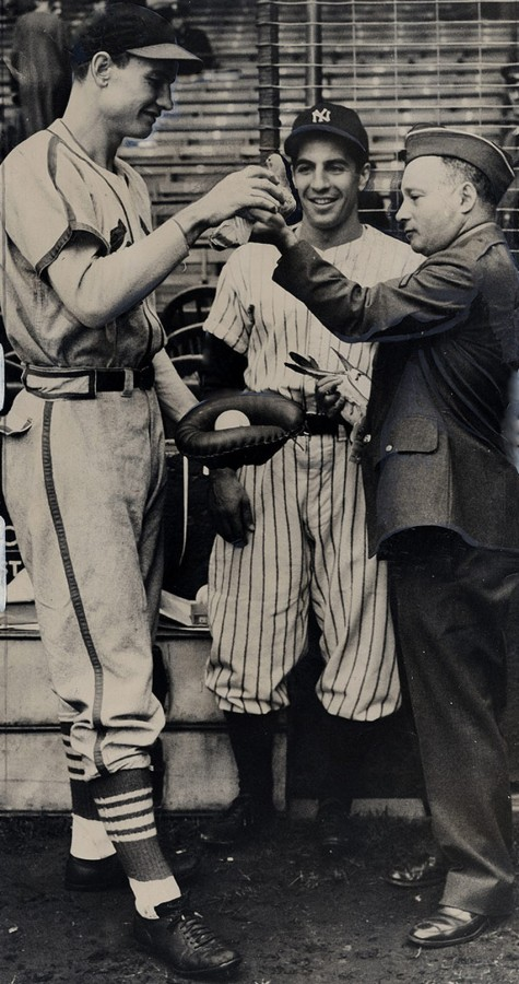 Walker Cooper Phil Rizzuto pigeon delivers negatives 1942 world series