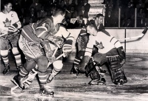 Jean Beliveau (No. 4) scores a goal against the Toronto Maple Leafs October 15 , 1959. Goalie is Johnny Bower. Canadiens won the game 4-2 - photo: UPI