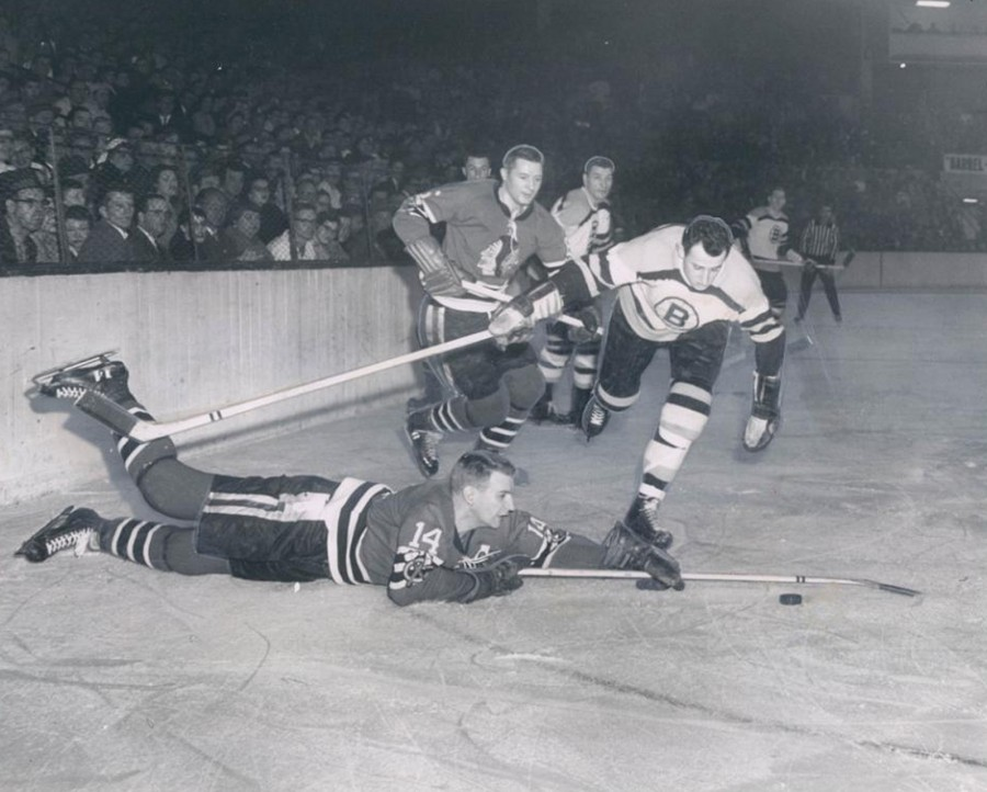 Chicago Black Hawks play Boston Bruins 1958