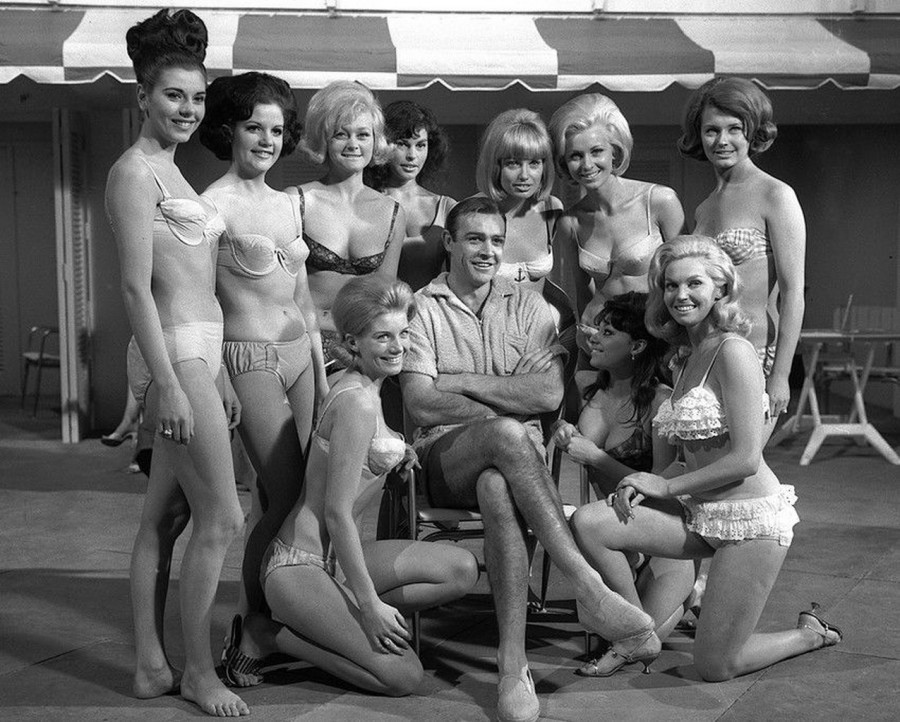Sean Connery and the women of Goldfinger