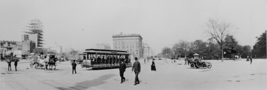 Columbus Circle Trolley 1904 photo: National Archives