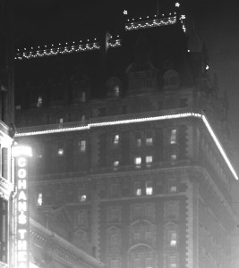 Knickerbocker Hotel at night 1911