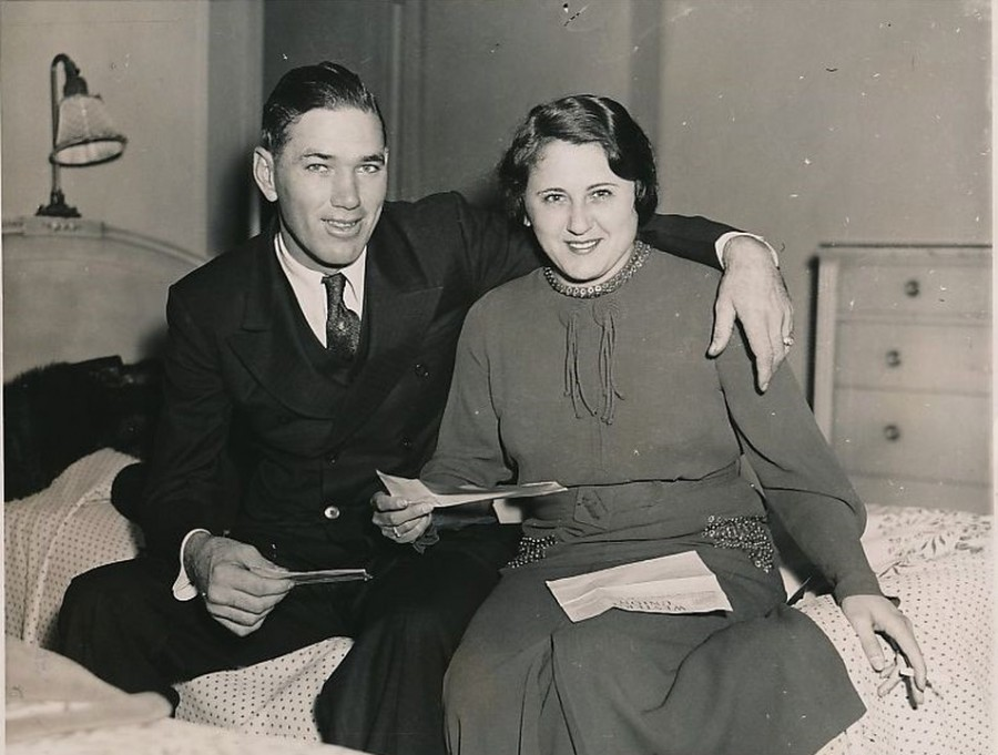 Dizzy Dean and wife 1934