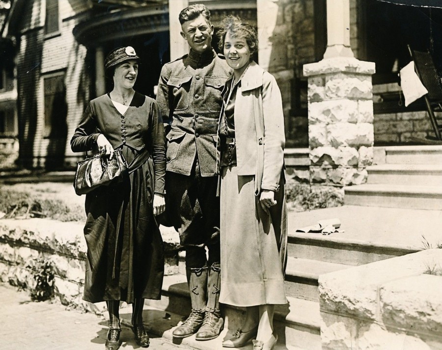 Grover Cleveland Alexander and wife 1918