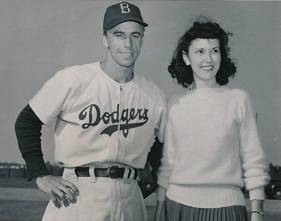 Pee Wee Reese and wife Dorothy 1942