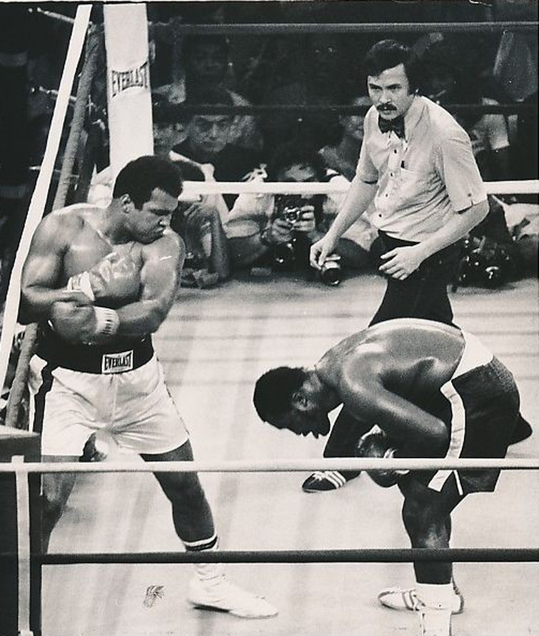 Muhammad Ali and Joe Frazier The Thrilla in Manila - October 1, 1975