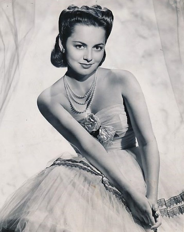 Olivia De Havilland August 1946 before a guest appearance on CBS radio