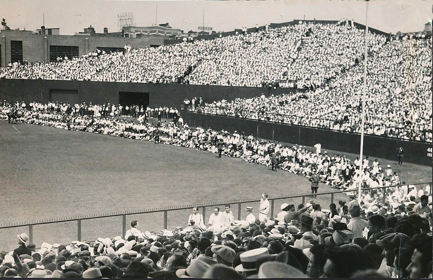Boston's New Fenway Park Packs In 45,400 Fans -1934