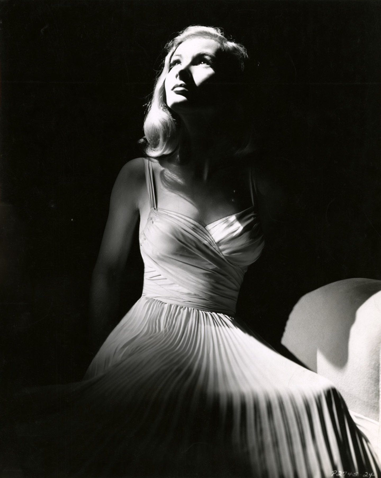 Classic Hollywood #54B - Veronica Lake - 1940
