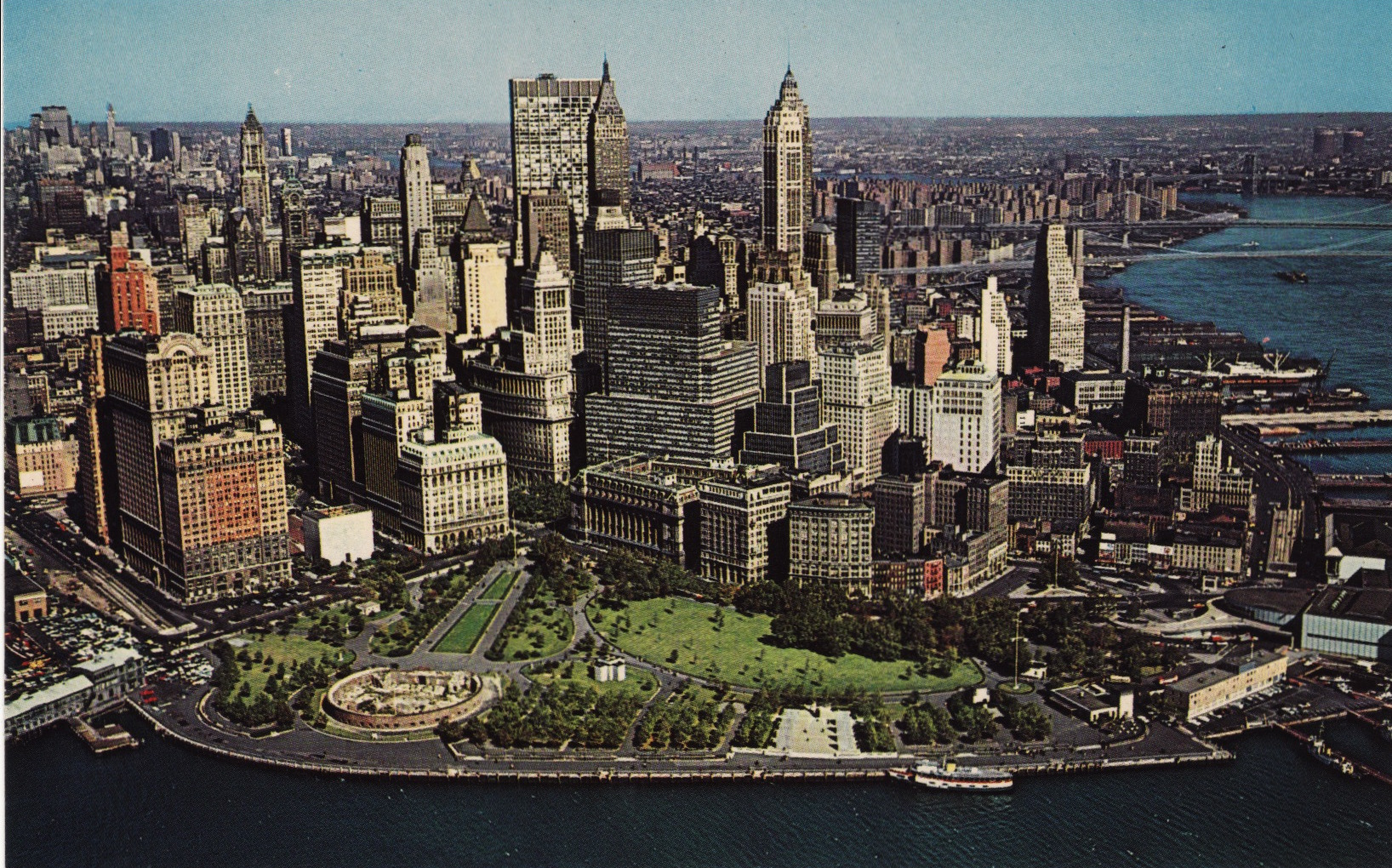 color aerial postcard views of manhattan 39 s skyline in the 1960s 70s. Black Bedroom Furniture Sets. Home Design Ideas