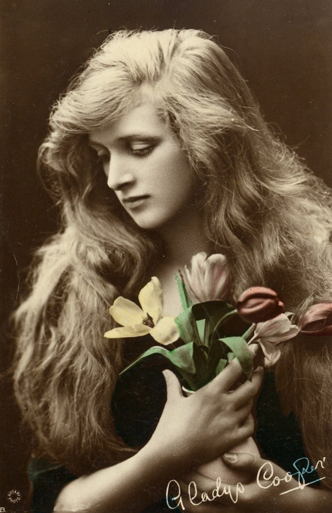 Beauties Of The Past & Classic Hollywood #61 - Gladys Cooper