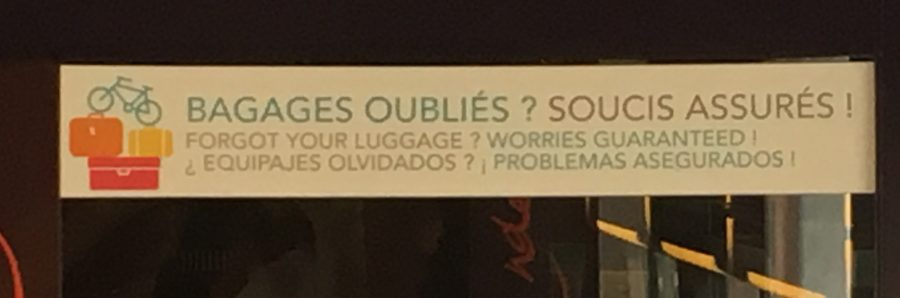 baggage troubles french sign silly