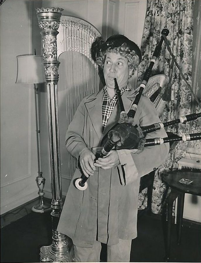 Harpo Marx with bagpipes 1943 credit photo AP