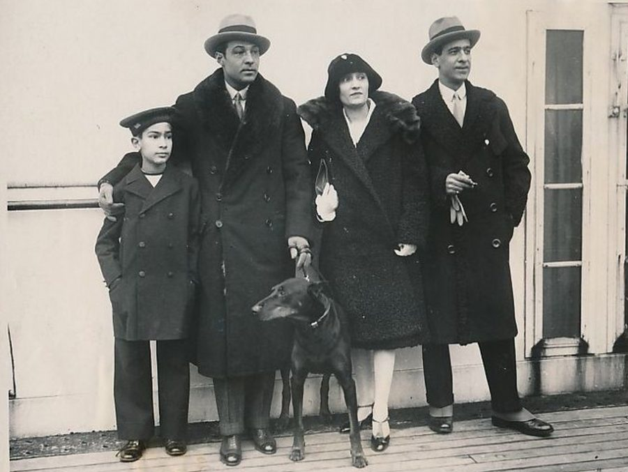 Rudolph Valentino and brother with family 1926 SS Leviathin