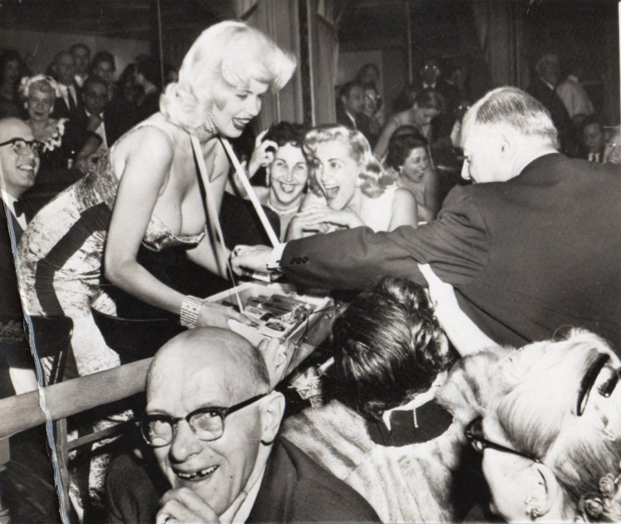 Jayne Mansfield charity 1957 Photo: AP