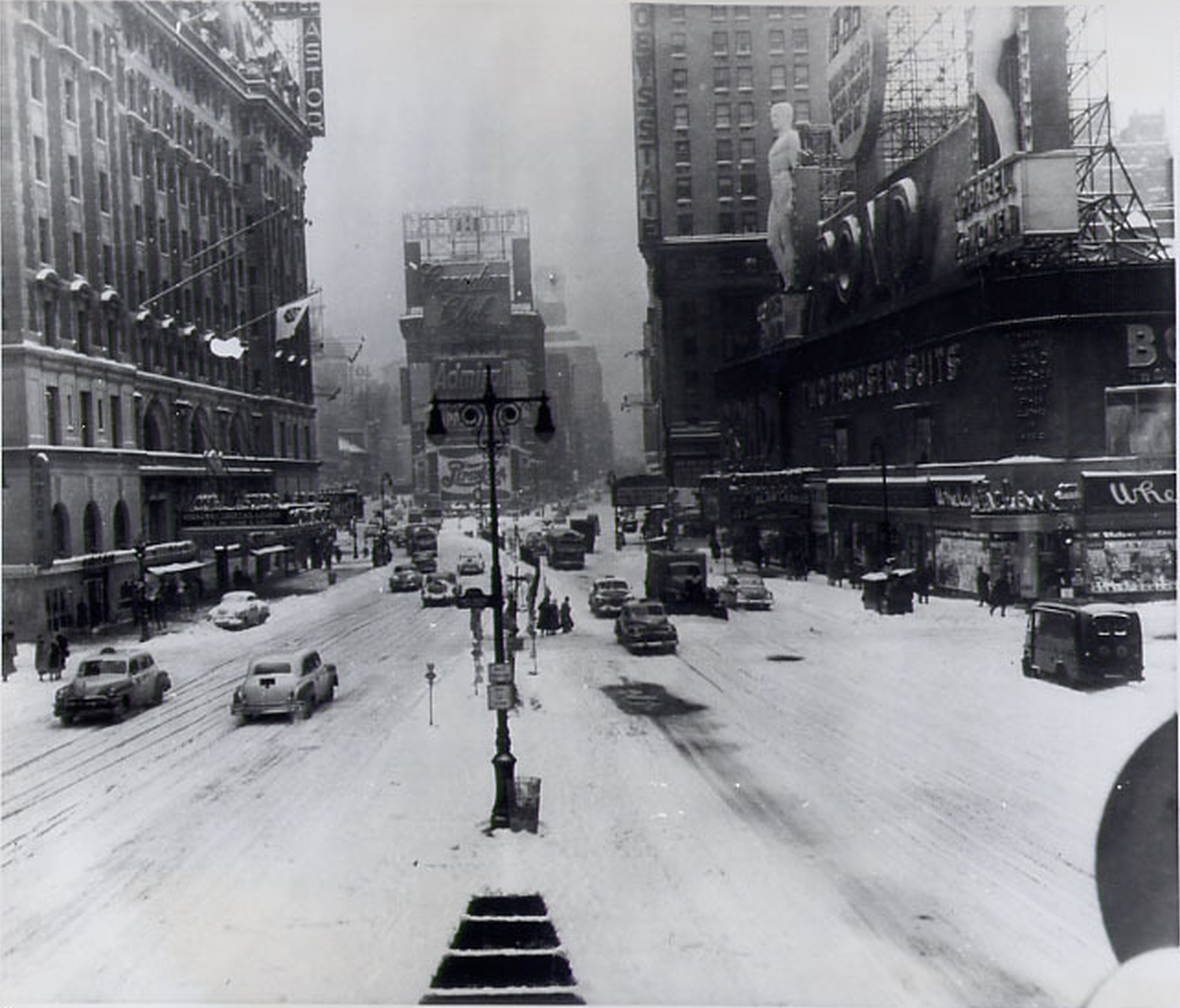 Times Square January 11, 1954 - Lots of Snow And Cold Weather