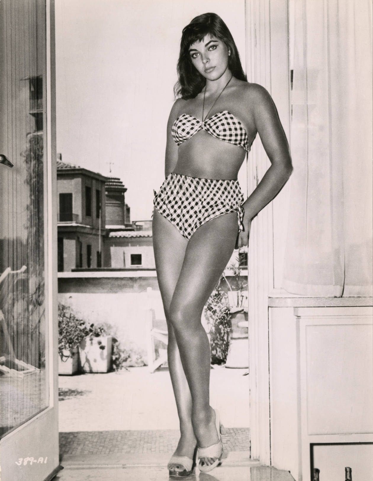 Classic Hollywood #36 - Joan Collins