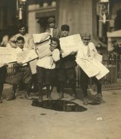 A Hard Life – Photos Of Turn-of-the Century Newsboys In New York City