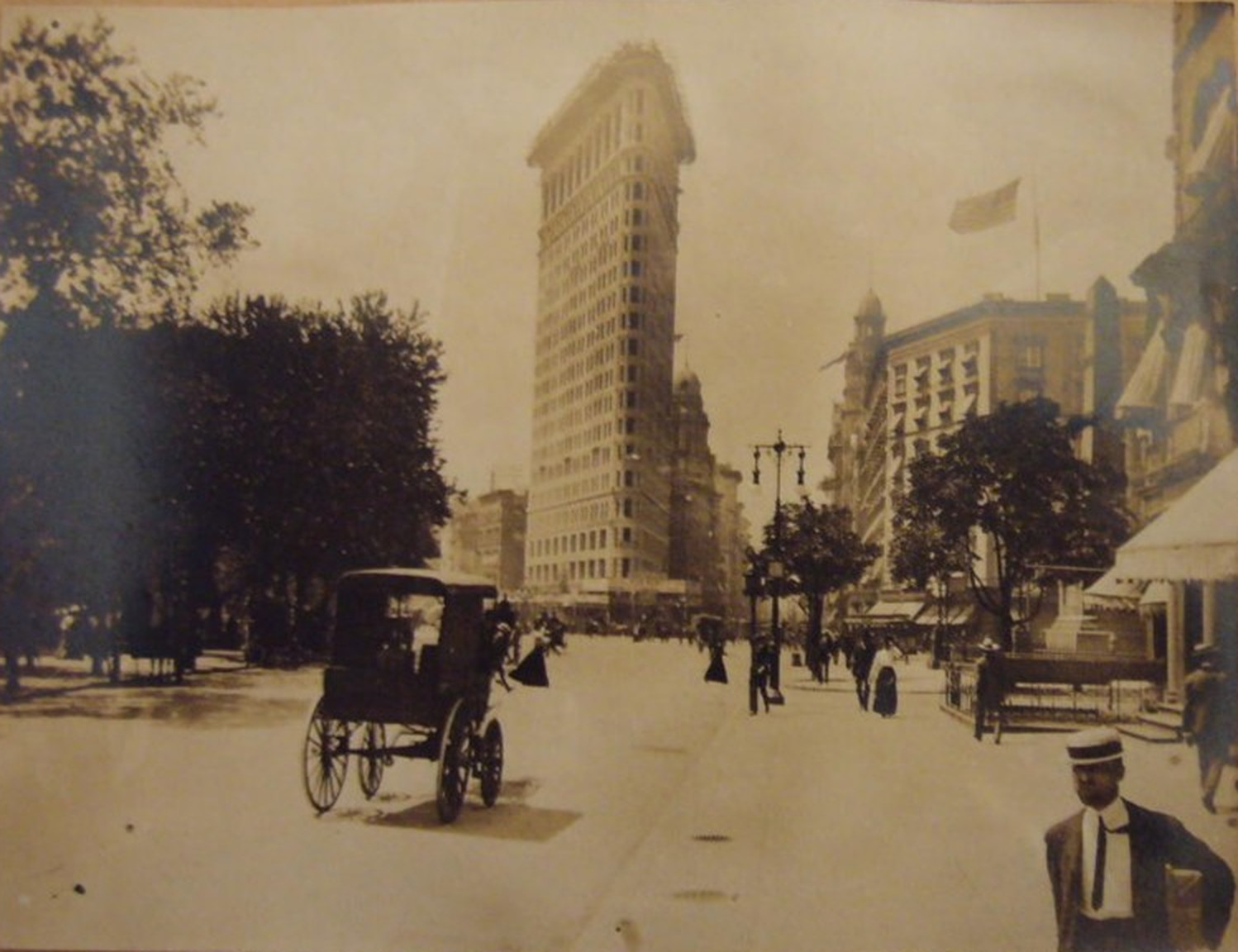 Old New York In Photos #89 – The Flatiron Building Nears Completion 1902