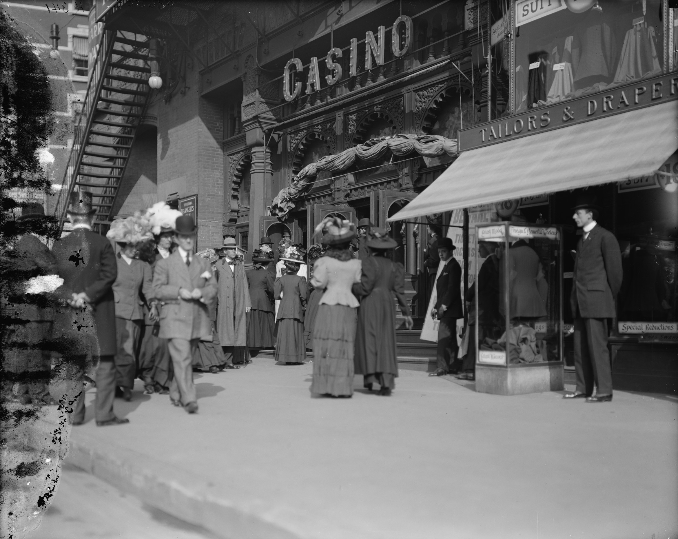 Old New York In Photos #98 - Outside The Casino Theatre Broadway & 39th Street 1907